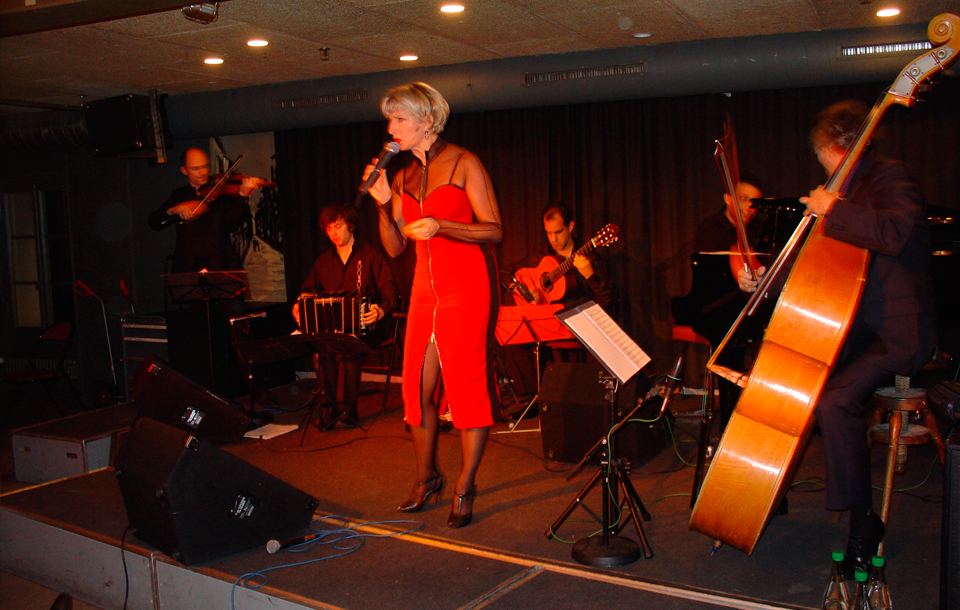 Tango Multilingual – Mahogany Hall Bern 2008